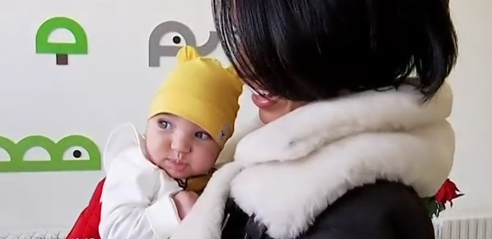 Zenaida, fetita Adelinei Pestritu, prima intalnire cu Mos Craciun! Cum a reactionat micuta VIDEO | Demamici.ro