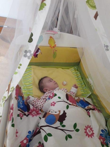 "Parintii au aflat ca e bolnavioara si au abandonat-o in spital. Elena a devenit mama pentru micuta Alma: ""Nu mai pot sa traiesc fara ea!""| Demamici.ro"
