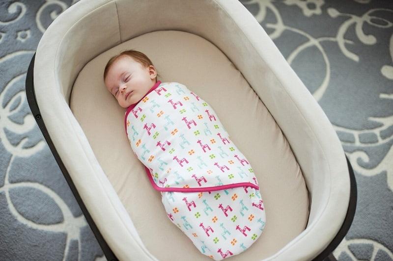 Infasatul bebelusului creste riscul displaziei de sold! Specialistii avertizeaza | Demamici.ro