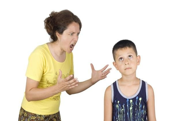 Tipatul la copii este la fel de nociv ca bataia. Modalitati prin care sa-ti educi copiii fara tipete | Demamici.ro