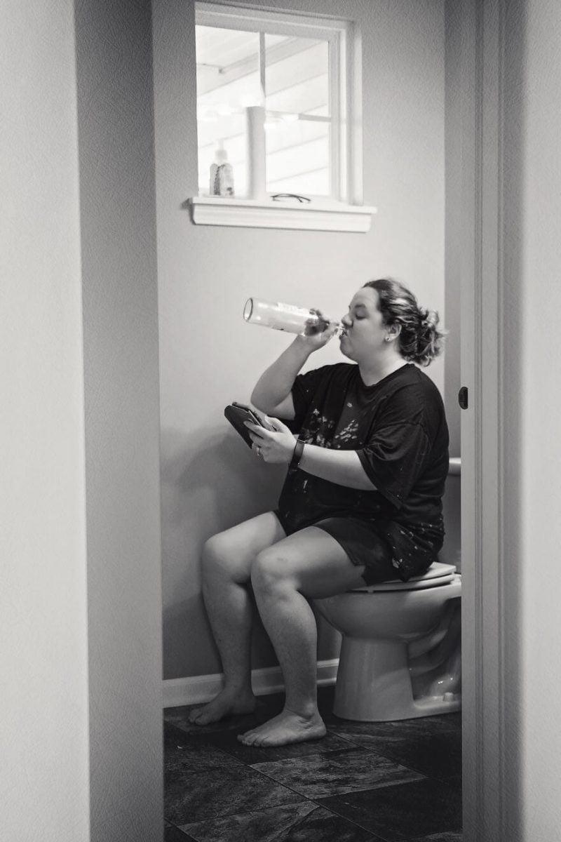 Ce inseamna sa fii mama in 15 fotografii sincere! Fata nevazuta a maternitatii | Demamici.ro